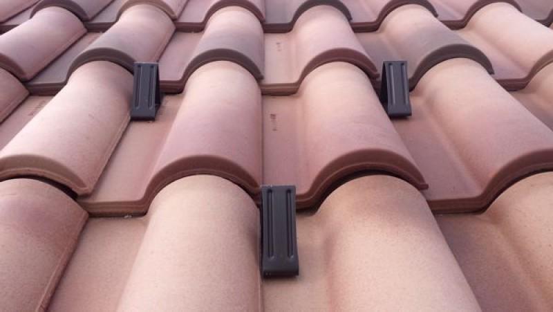 Costi rifacimento tetto tetto designs costo tetto in for Costo tetto in legno al mq